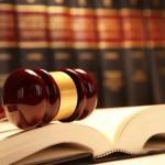 وکیل حرفه ای